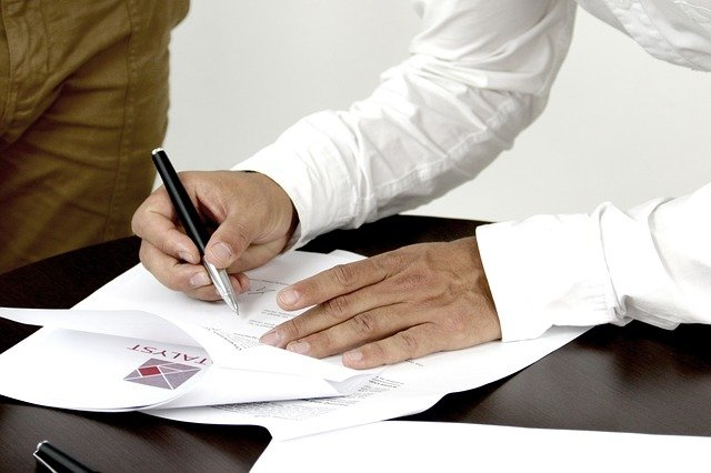 300 אלף שקל על הפרת הסכם מכר: לא רשמה בטאבו את הנכס